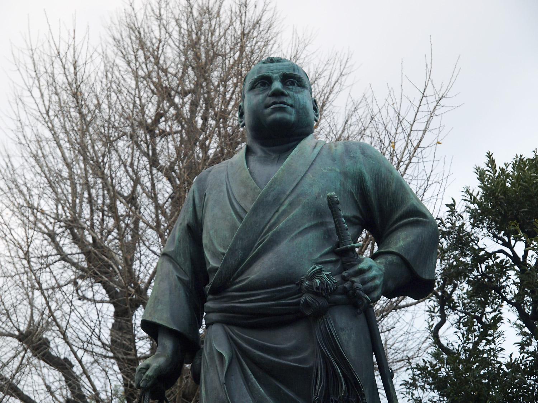西郷隆盛とツンの銅像